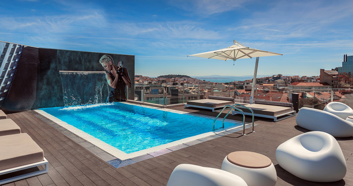 Rooftop pool Lissabon