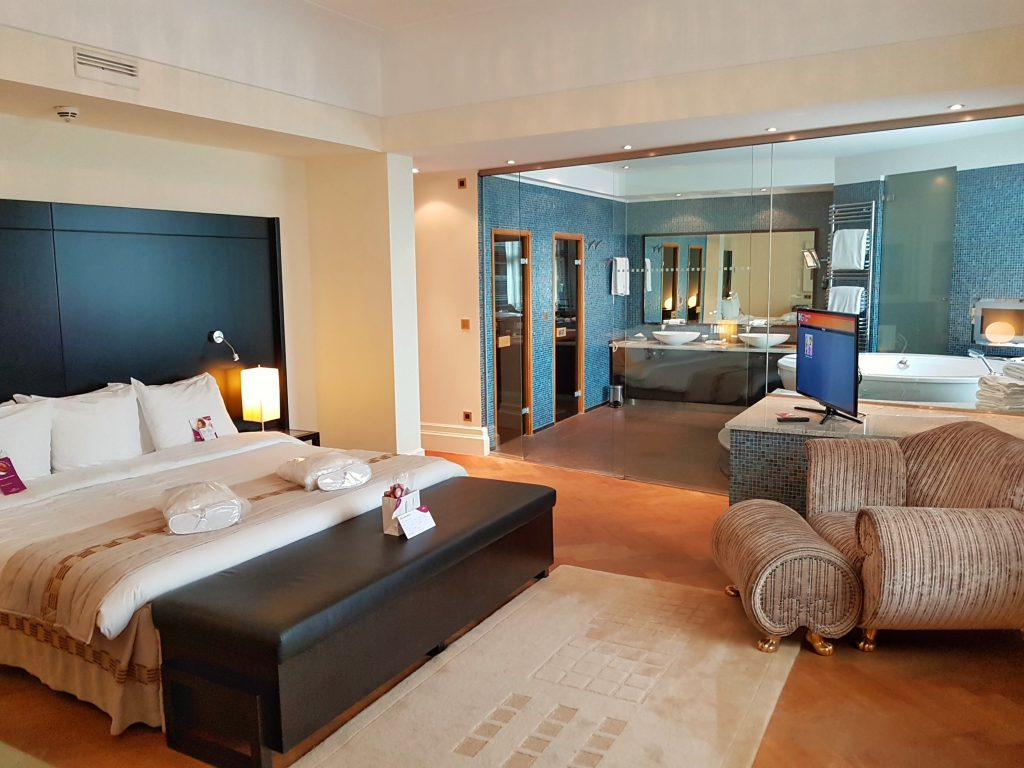 crowne plaza brussels suite