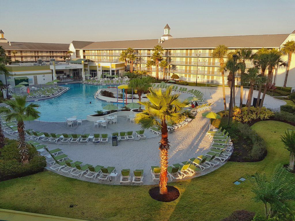 sunrise Avanti resort